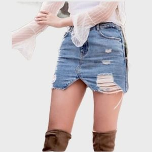 ZARA GREAT COND RIPPED DESTROYED DISTRESSED SKIRT
